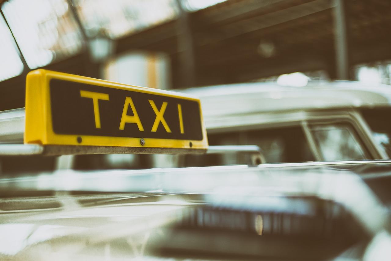 Réserver un taxi à Beauvais (60000)